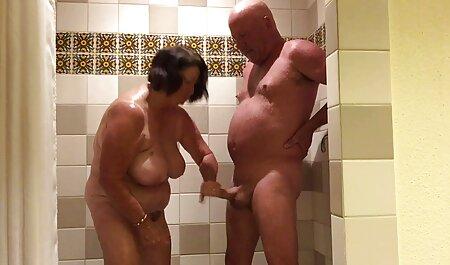 I capelli castani che è pieno di video hard gratis privati lussuria decide di masturbandosi il proprio in casa in previsione del suo amico, quindi sarà più facile per lui a piantare nella vagina bagnata.